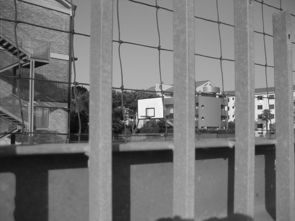 Scorcio del campo esterno dell'Istituto Massari - Mestre