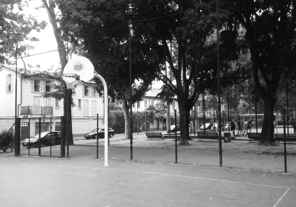 Campo via Dezza, Milano